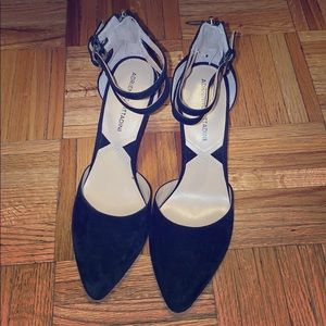Black heels with ankle strap adrienne vittadini